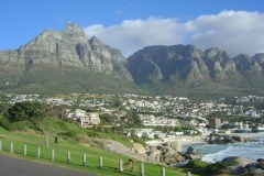 table-mountain-cable-car-seen-from-camps-bay-cape-town-pictures-south-africa-cape-spirit-travel